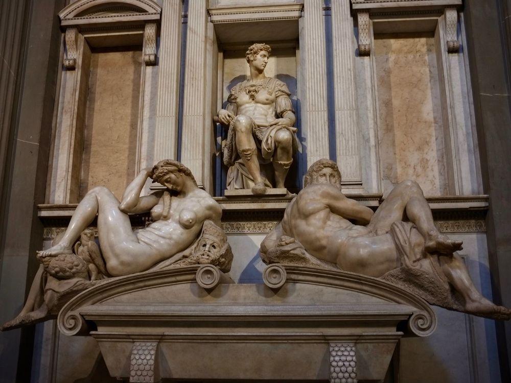 Tomb of Giuliano di Lorenzo de' Medici with Night and Day