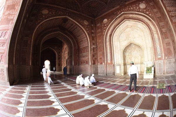 Masjid of Taaj mahal thumbnail