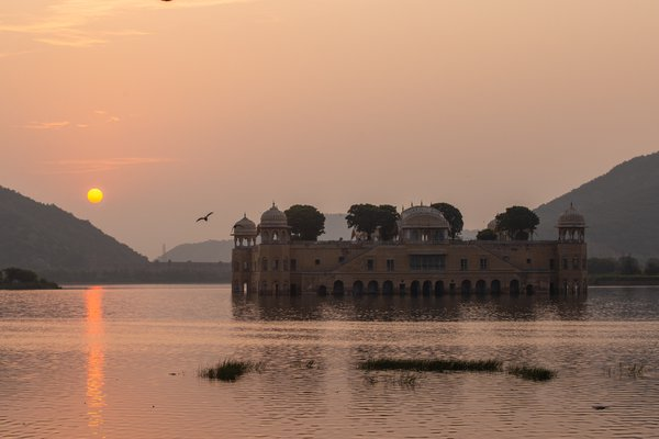sunrise at Jal Mahal thumbnail