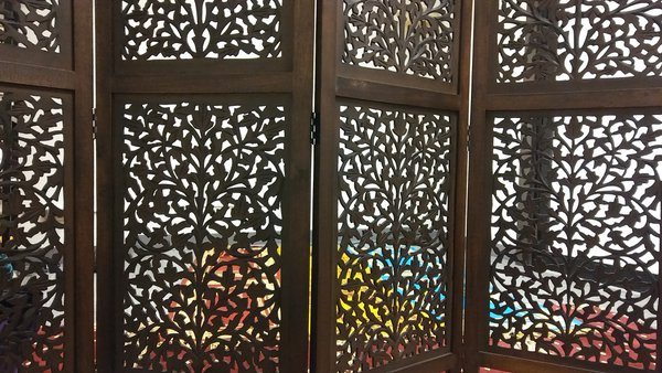 Vivid Colors: Prayer Room thumbnail