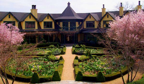 The Richmond Hill Inn in 2007 thumbnail
