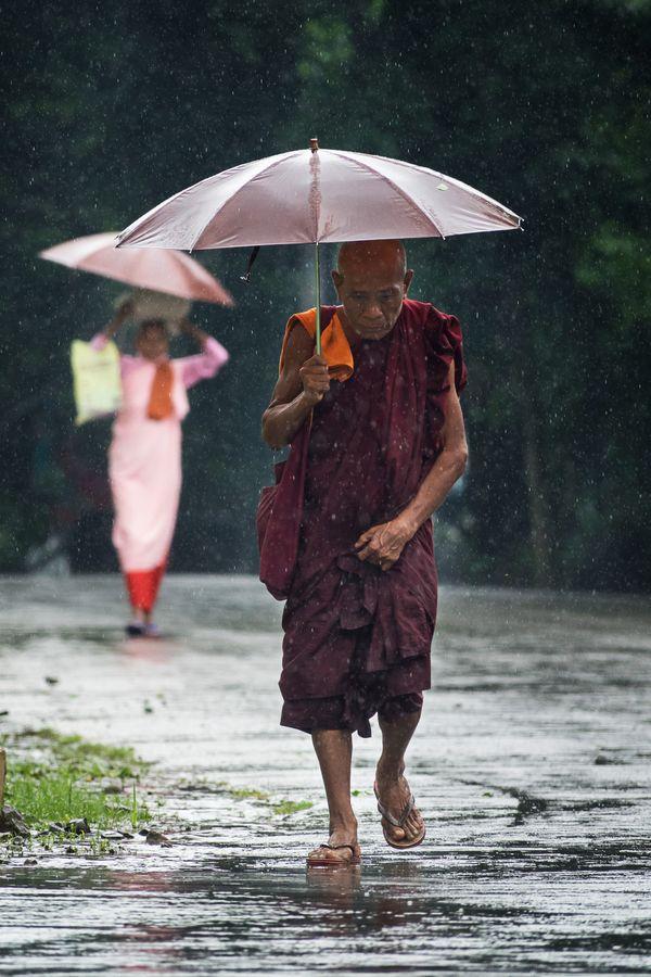 Myanmar monks thumbnail