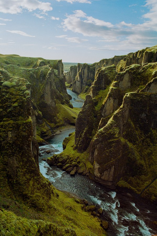 Fjaðrárgljúfur (Feather Gorge) thumbnail