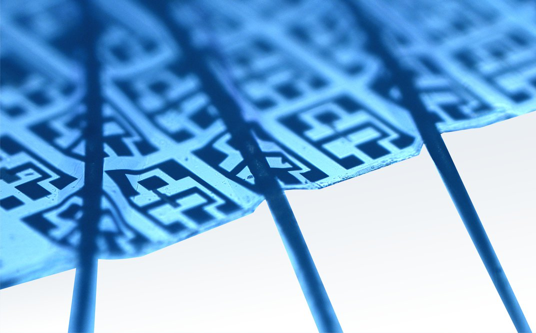This Clear, Flexible Electronic Circuit Can Fit on the Surface of a Contact Lens