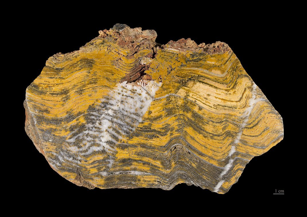 Why It's So Difficult to Find Earth's Earliest Life