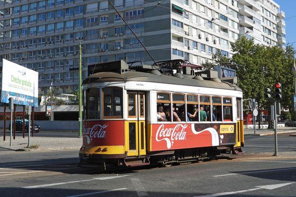 Trolley in Lisbon Portugal thumbnail