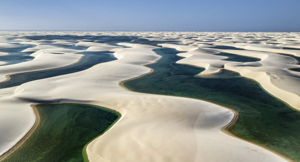 A flight over the Lençóis Maranhenses National Park thumbnail