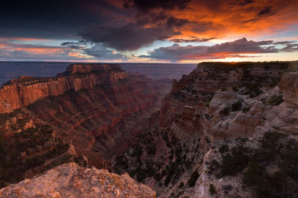 Clearing storm allowed just light to turn what had been an overcast day into a dramatically beautiful sunset at Cape Royal on the north rim of the Grand Canyon.  Canon 1Ds MkIII with Canon 16-35mm f/2 thumbnail
