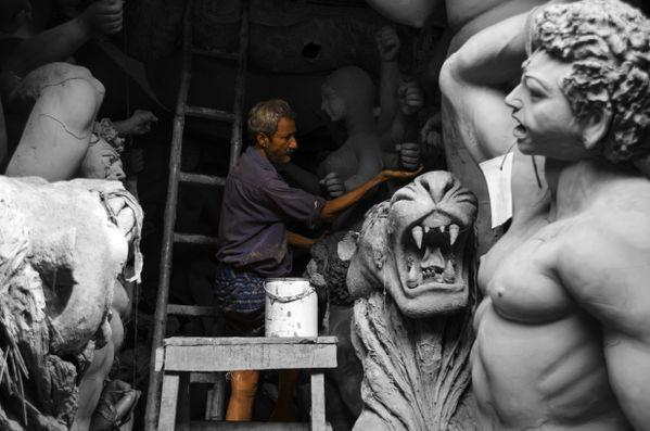 The Artists of Kumortuli thumbnail