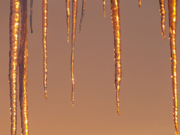 icicles in sunset thumbnail