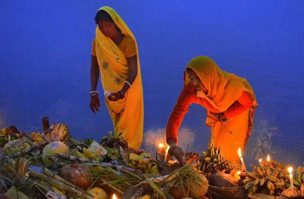 Women are preparing for Chhat festival in Bihar thumbnail