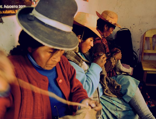 Quechua speaking knitters outside of Cusco, Peru thumbnail