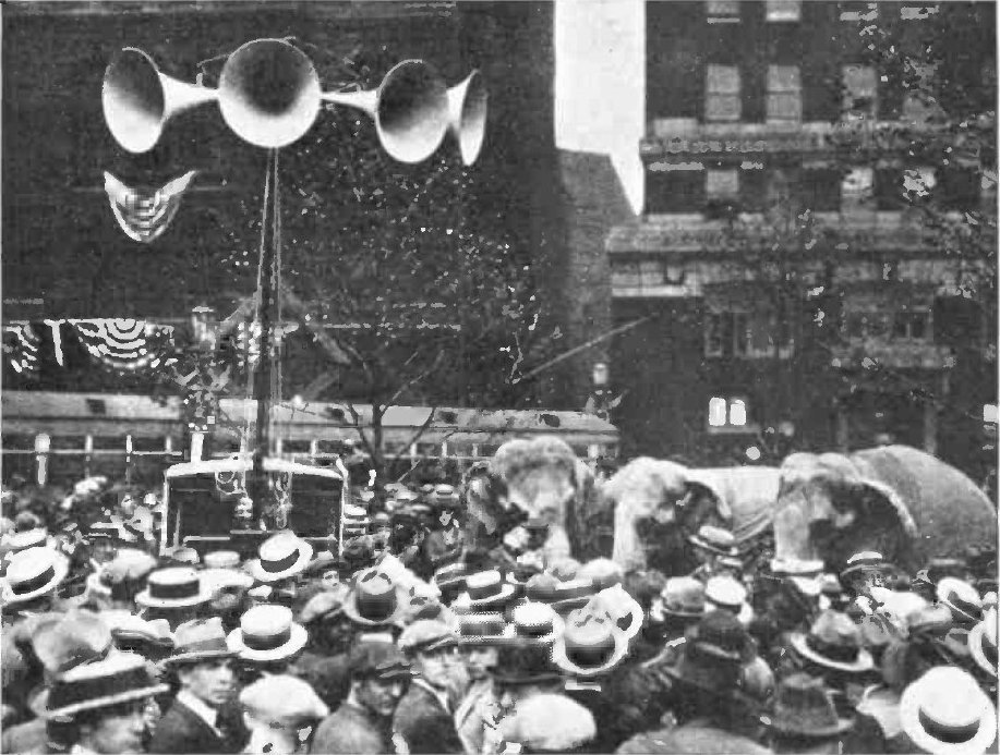 Crowd outside the 1924 Republican National Convention
