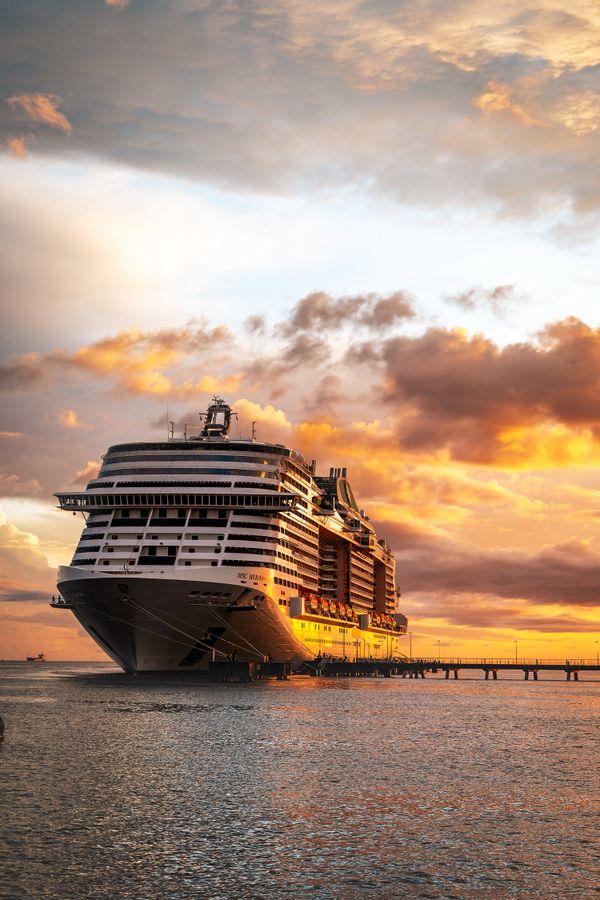 The cruiseship thumbnail