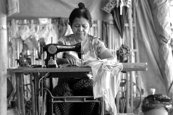 Sewing woman thumbnail