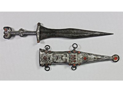 The restored dagger and sheath, following nine months of sandblasting and grinding