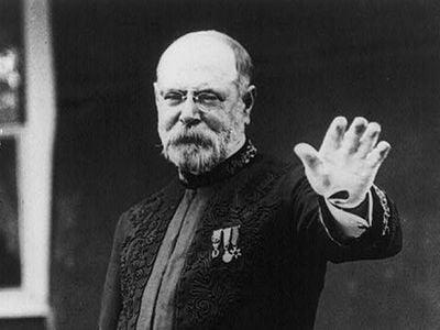"Sousa around 1915, about a decade after he first decried ""mechanical music."""