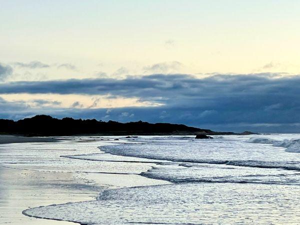 Beautifully Glum Ocean Tide thumbnail