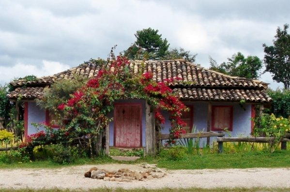A little house for nothing. Inside, a woman later thumbnail