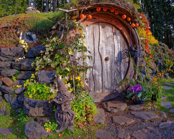 Itsy Bitsy Hobbit Door thumbnail