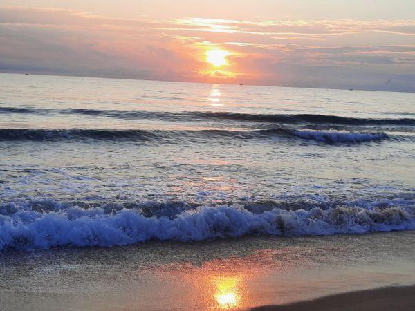 Sunrise from Coconut Cultivation Board Circuit Bungalow at Nilaweli  beach,  east coast of Sri Lanka thumbnail