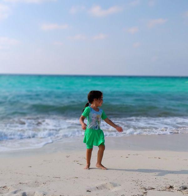 My daughter and sea thumbnail