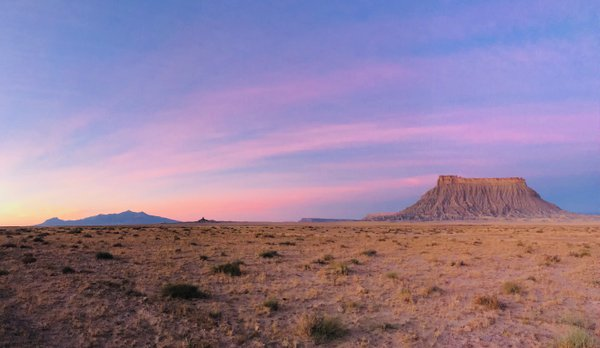 Sunrise over Factory Butte, Utah, USA thumbnail