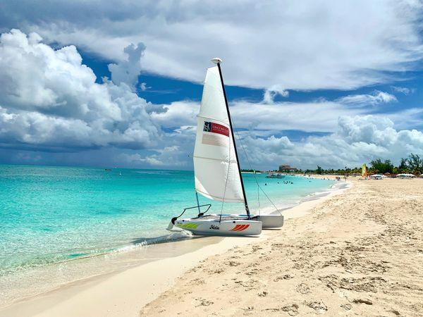 Sailing Boat at the Beach  thumbnail