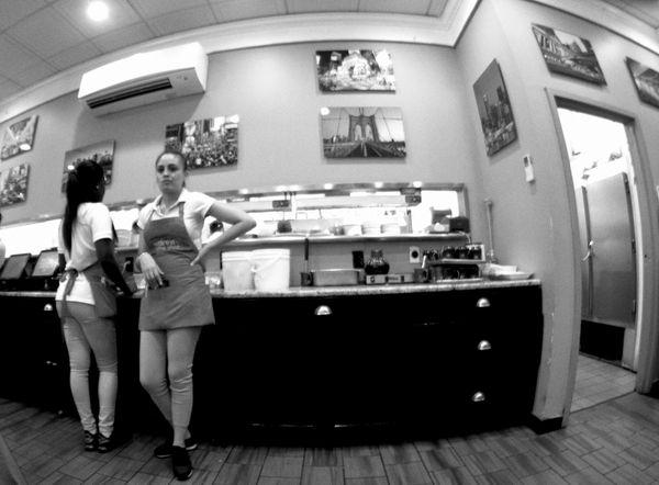 Waitresses thumbnail