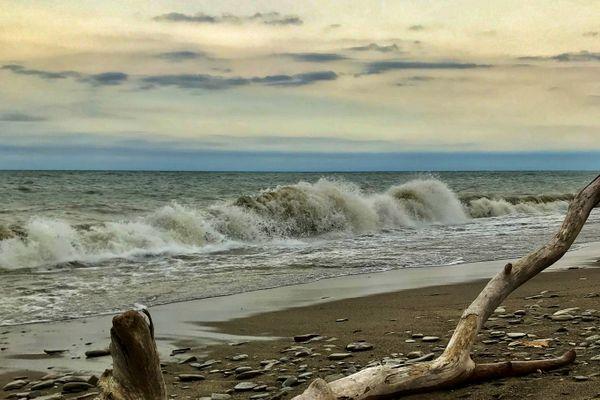 Lake Erie Storm Wave thumbnail