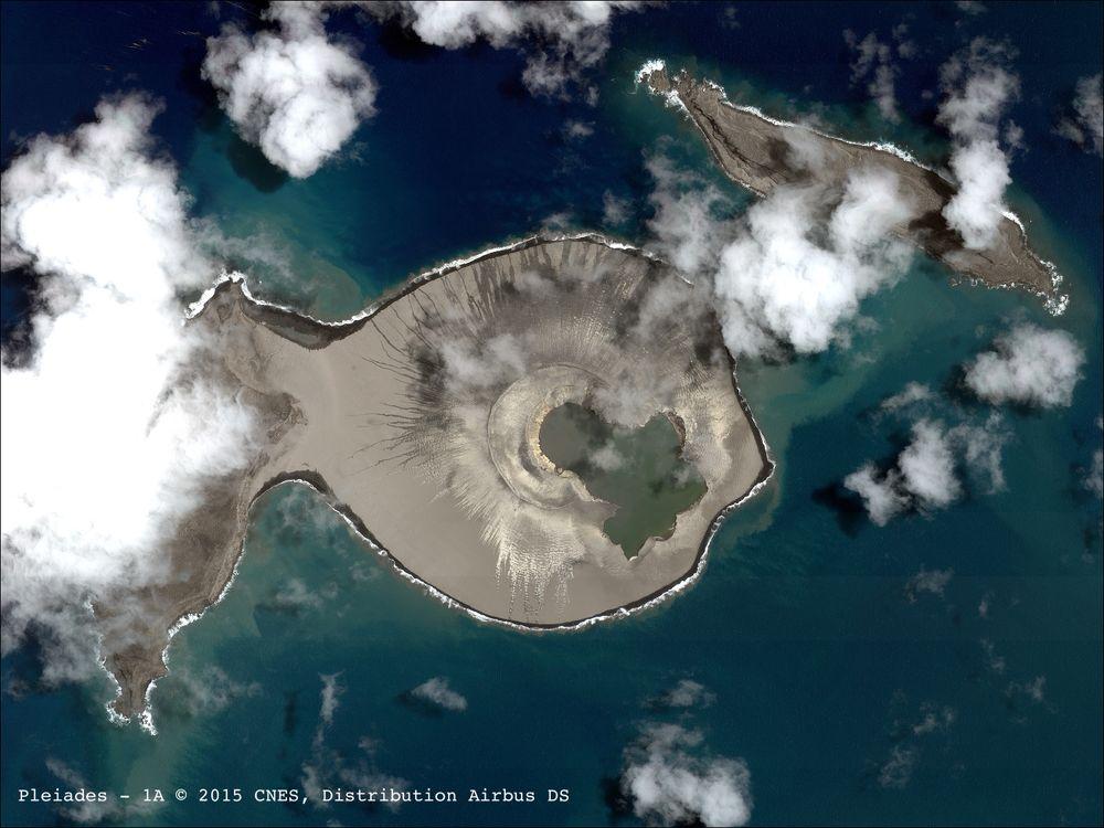 Hunga Tonga-Hunga Ha'apai 1