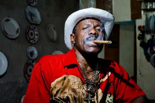 Man enjoying his cigar, Havana thumbnail
