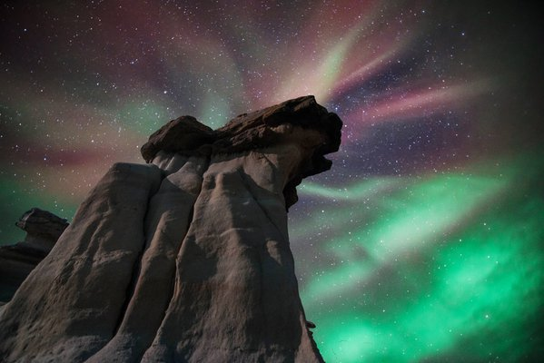 Aurora Borealis meets the Hoodoos of Dinosaur Provincial Park, Alberta thumbnail