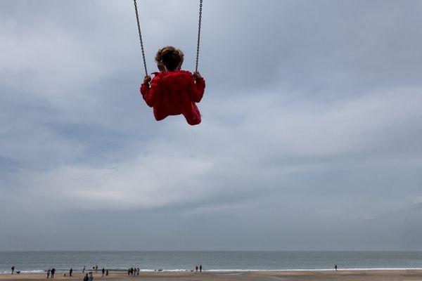 Scheveningen beach, Holland thumbnail