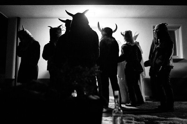 A visit by the Krampusse thumbnail