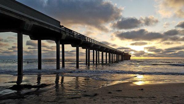 Scripps Pier at Sunset thumbnail