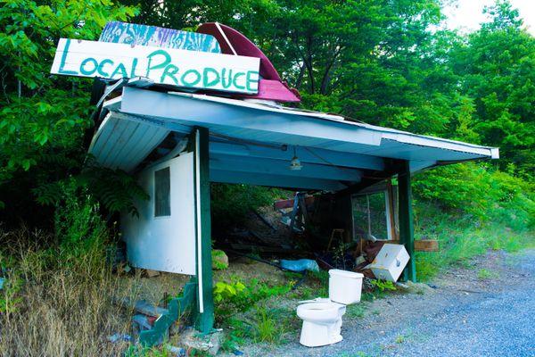 Abandoned Farmers' Market, WV thumbnail
