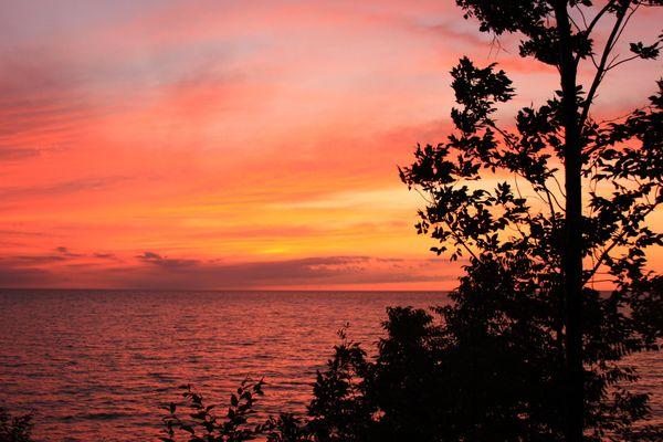 Erie Sunset (Pennsylvania, not scary) thumbnail
